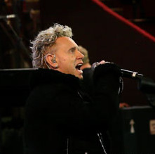 Video: Alan Wilder, Martin Gore soundcheck Depeche Mode's 'Somebody' in London
