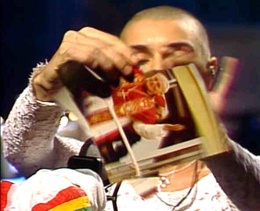 Sinead O'Connor on 'SNL' 10/3/92