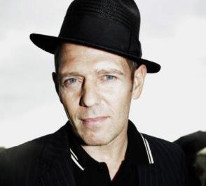 Milestones: Paul Simonon is 55 today; watch The Clash play 'Guns of Brixton' in 1980