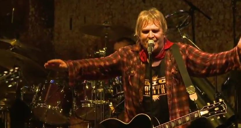 Video: Big Country with Mike Peters, 'In a Big Country' — from 'Dreams Stay With You' DVD