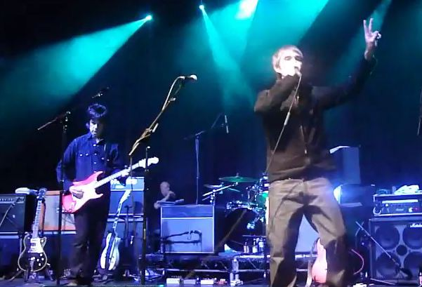 Video: Stone Roses&#8217; Ian Brown, John Squire reunite onstage at Mick Jones&#8217; benefit gig