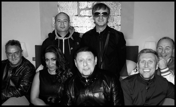 Happy Mondays' original lineup reunites for 11-date tour of U.K., Ireland this spring