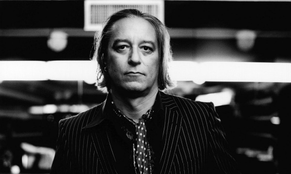 R.E.M.'s Peter Buck recording solo album — and it could be a vinyl-only release