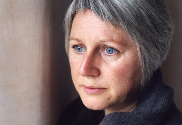 Elizabeth Fraser to debut new music, revisit Cocteau Twins songs at 1st show in 14 years
