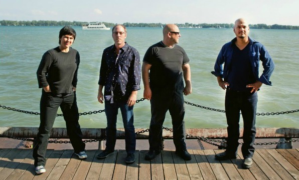 Pixies in the studio? Perry Farrell suggests they are, tweeting, &#8216;Pixies r recording&#8217;