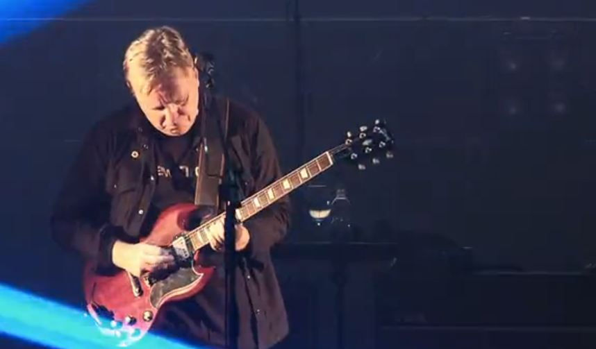 Video: New Order live at Berlin's Tempodrom — 45 minutes of pro-shot footage