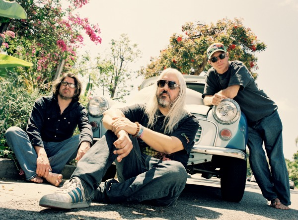 Stream: Dinosaur Jr, 'I Bet On Sky' — hear full album more than week before release