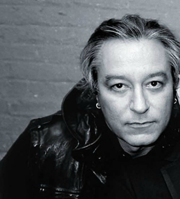 Peter Buck Net Worth