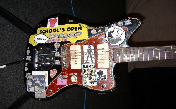 Thurston Moore's 'iconic' Sonic Youth black Jazzmaster guitar stolen in Philadelphia