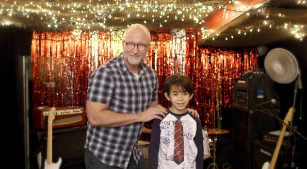 Bob Mould debuts 'Star Machine' video, announces new U.S. shows in April