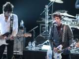 Video: Johnny Marr and Ronnie Wood perform The Smiths&#8217; &#8216;How Soon Is Now?&#8217;