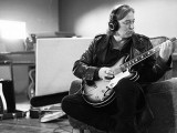 R.E.M.'s Peter Buck releasing second vinyl-only solo album, touring with Alejandro Escovedo
