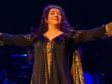 Kate Bush performs first concert in 35 years: Setlist, photos, video of 'Cloudbusting'