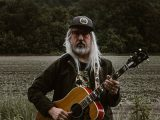 Listen: Dinosaur Jr's J Mascis covers Tom Petty's classic single 'Don't Do Me Like That'