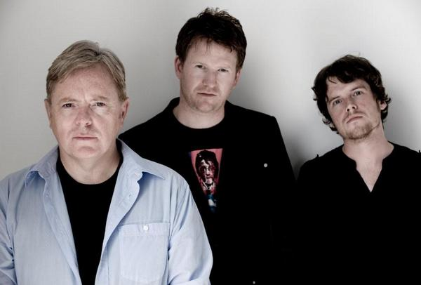 Bernard Sumner's Bad Lieutenant to open for the Pixies during New York 'Doolittle' concerts