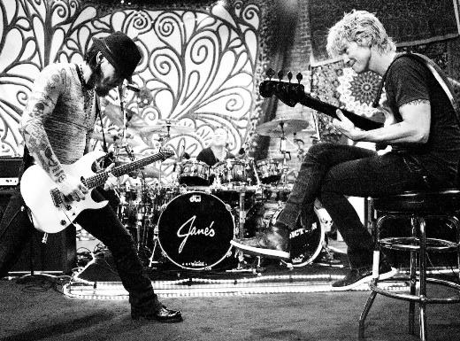 Duff McKagan leaves Jane's Addiction