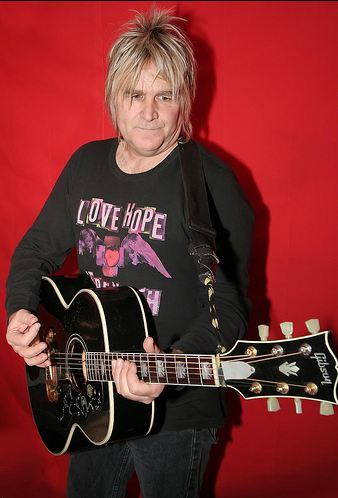 The Alarm's Mike Peters would really like his stolen lyric book back, please