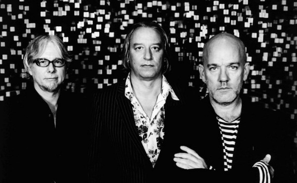 Stream: R.E.M.'s final fan-club holiday single — 'Perfect Circle,' 'Life and How to Live It' live