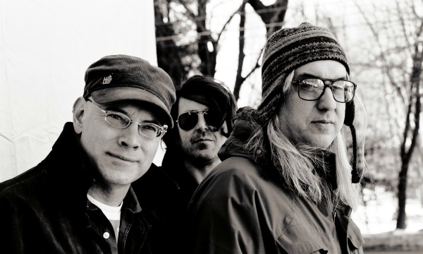 Free MP3: Dinosaur Jr, 'No Bones' — from 'Bug Live at 9:30 Club: In the Hands of Fans'
