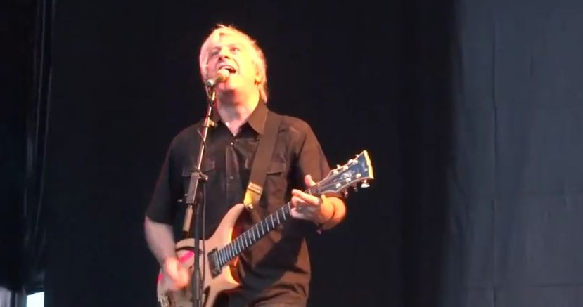 Video: Thurston Moore covers Rolling Stones, Lee Ranaldo covers Talking Heads