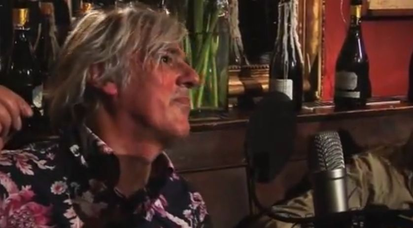 Video: Robyn Hitchcock, 'Twitch 4 Sam Surfer' — part of 'Phantom 45s' series
