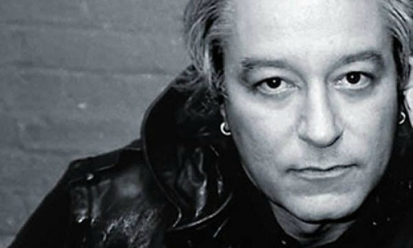 R.E.M.'s Peter Buck on upcoming vinyl-only solo debut: 'It's not gonna be in Walmart'