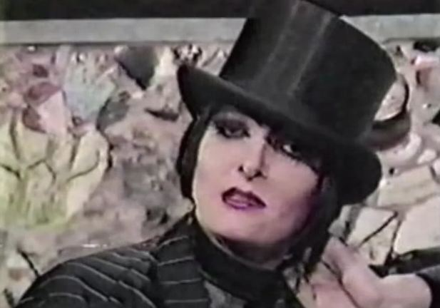 '120 Minutes' Rewind: 120 X-Ray on Siouxsie & The Banshees with host Kevin Seal — 1988