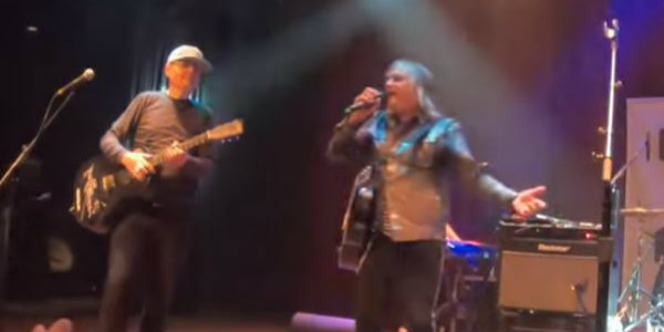 Watch: Billy Corgan joins The Alarm for 'Rain in the Summertime' in Cleveland